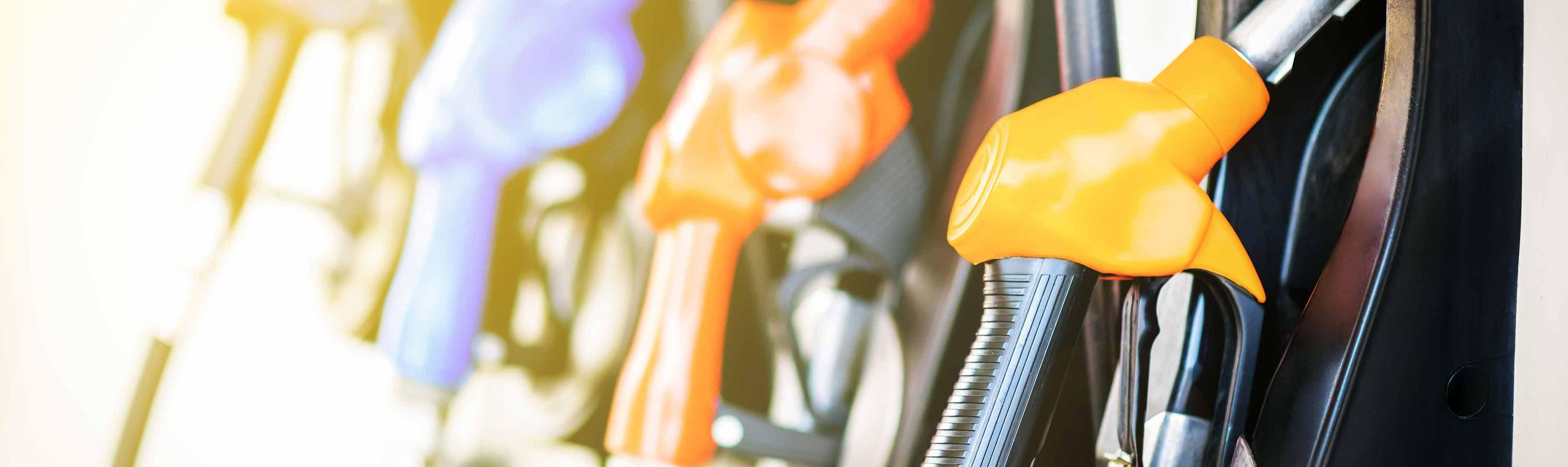 Verschillende brandstofslangen tankstation